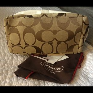 Coach Bags - Coach signature classic tote